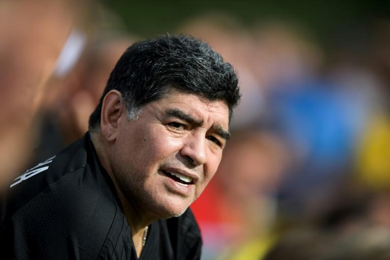 En un mensaje que lleva también la firma de su pareja Rocío Oliva, Maradona volvió a manifestar su apoyo al gobierno venezolano (AFP/Archivos - Fabrice COFFRINI)