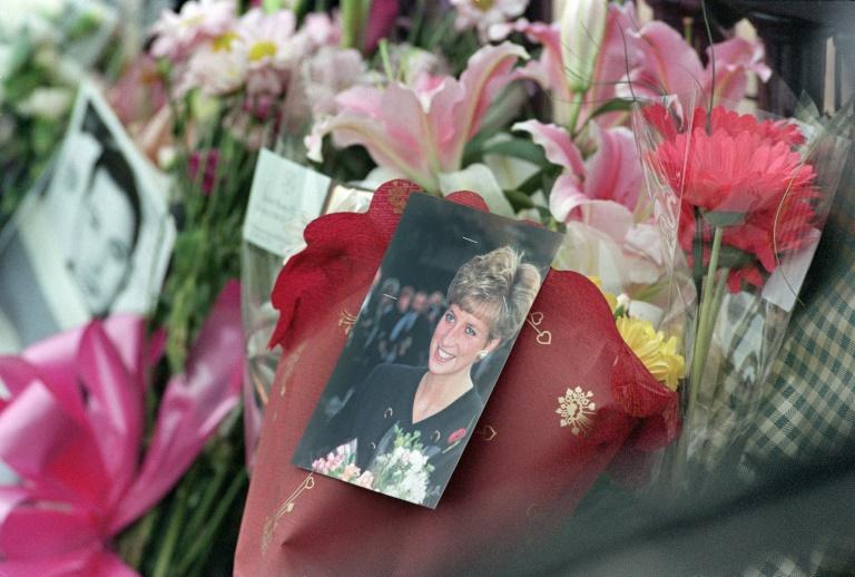 El 31 de agosto de 1997 la princesa Diana muere en un accidente de automóvil en París junto a su nueva pareja, Dodi al Fayed (AFP/Archivos - Gerry Penny)