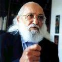 Paulo Freire é anistiado 45 anos após exílio