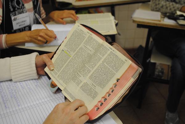 CEBI Planalto Central: Igrejas diferentes lendo a Bíblia em conjunto