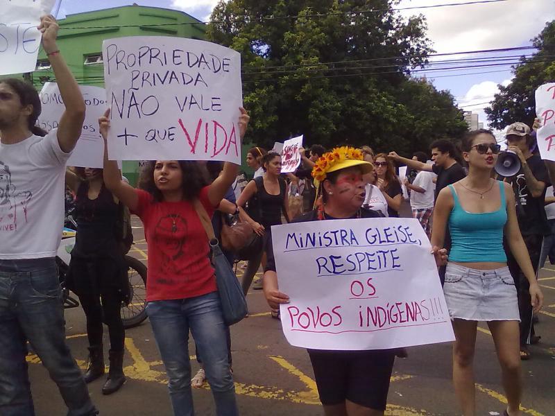 Movimento popular sai às ruas de Campo Grande em apoio à nação indígena