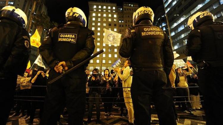 A prisão de manifestantes revolta os movimentos sociais