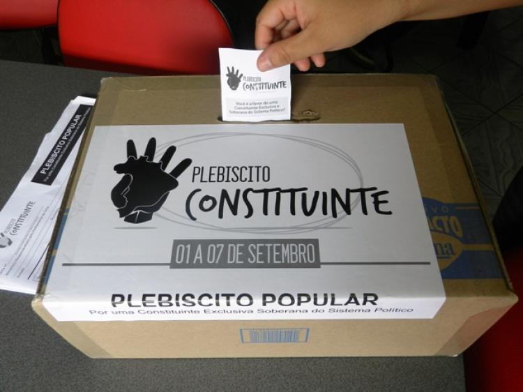 Apesar do silêncio da mídia, Plebiscito da Reforma Política é um sucesso