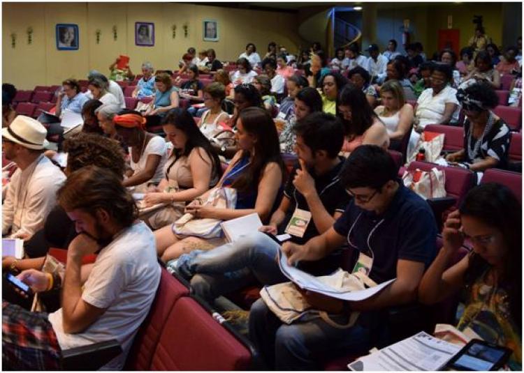 """CEBI Planalto Central: Seminário Internacional """"Mulheres: fome, pobreza, exploração e tráfico humano""""."""