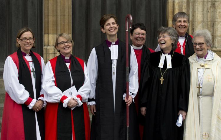 Nova era para a Igreja Anglicana com a consagração de sua primeira bispa