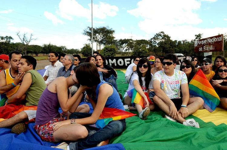 Governo federal cria comitê interministerial de combate à homofobia