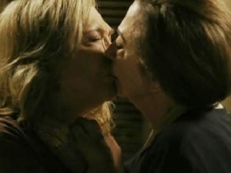 """Para Fernanda Montenegro, reação negativa ao beijo gay é uma """"caça às bruxas"""""""