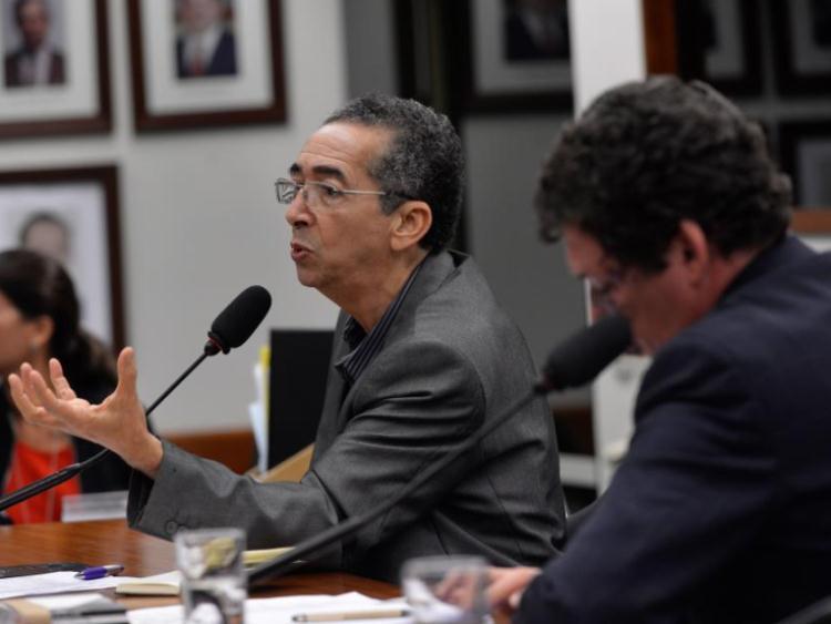 Brasil precisa mudar conceitos para acabar com racismo, diz professor