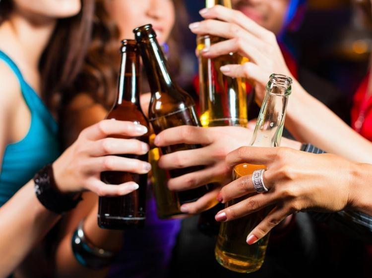 Redução da maioridade penal legalizaria pornografia e álcool aos 16 anos