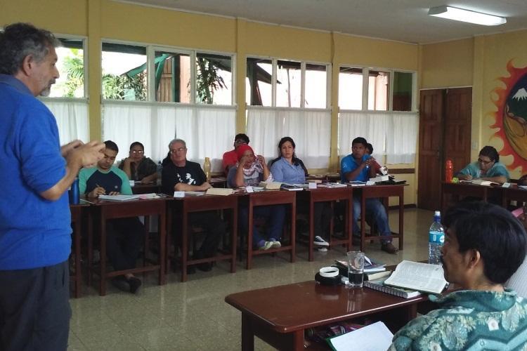 Descolonização da Bíblia: Contribuição do CEBI na Costa Rica
