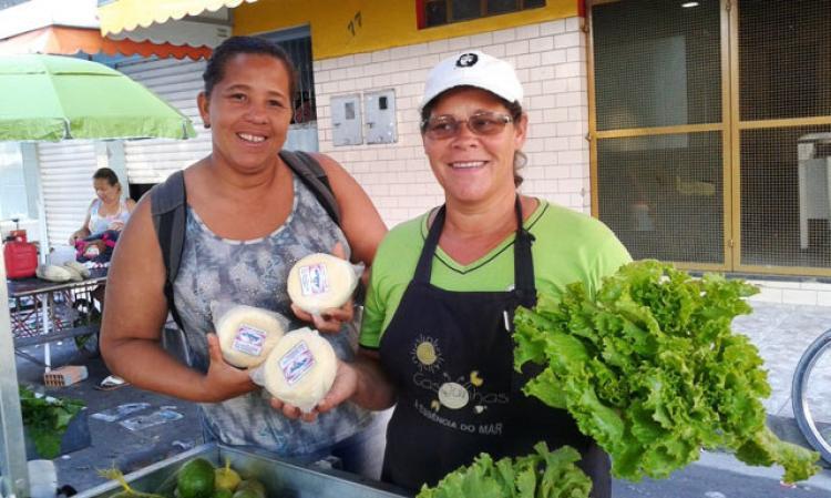 Mais de 35 toneladas de alimentos são vendidas na 5º Feira de Agroecologia da Reforma Agrária
