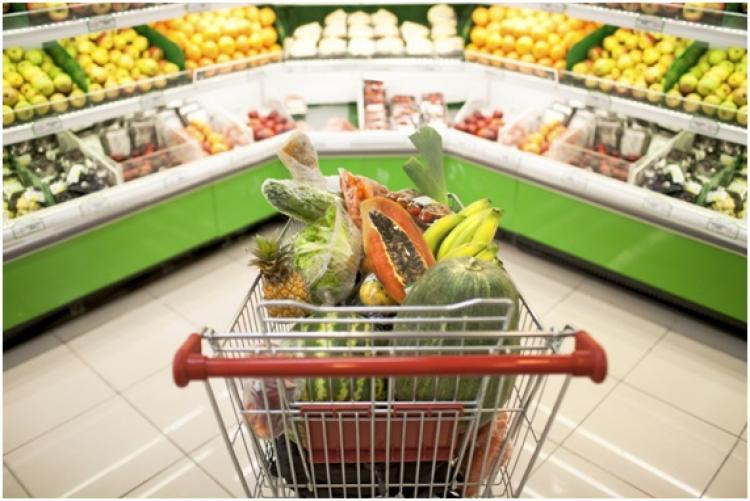 França aprova lei que obriga supermercados a doarem suas sobras de comida a instituições de caridade