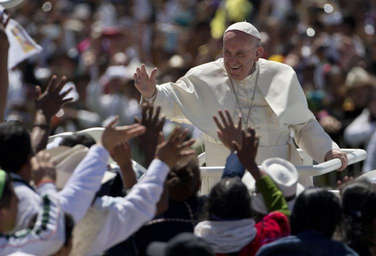 Papa Francisco pede perdão aos indígenas pelo abuso contra suas terras e sua cultura