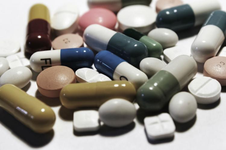 Indústria farmacêutica: Por trás dos remédios nas prateleiras