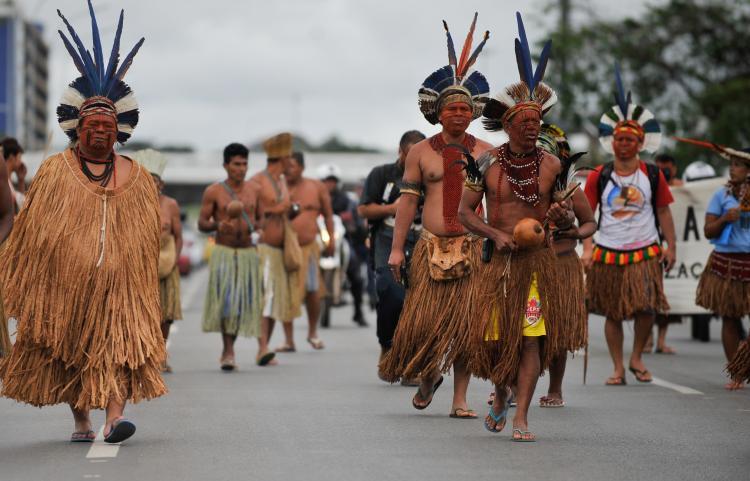 Índios e campesinos são as principais vítimas de violações de direitos no Brasil