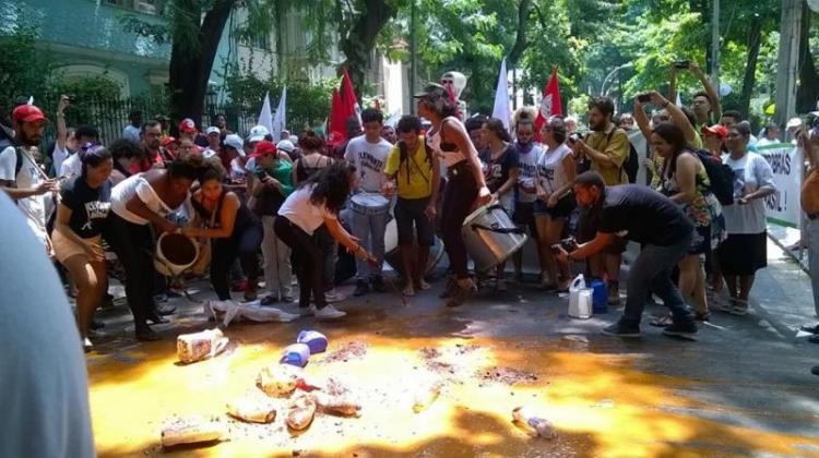 Em jornada de lutas, mulheres escracham Vale S.A. no Rio de Janeiro