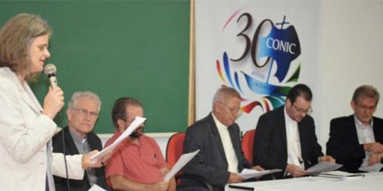 Entidades católicas e protestantes pedem respeito à democracia no Brasil