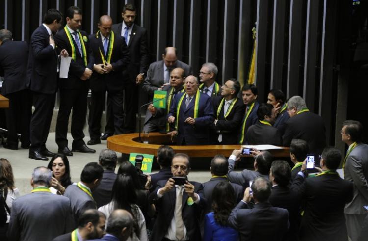 Religiosos criticam citações a Deus na sessão da Câmara que votou impeachment