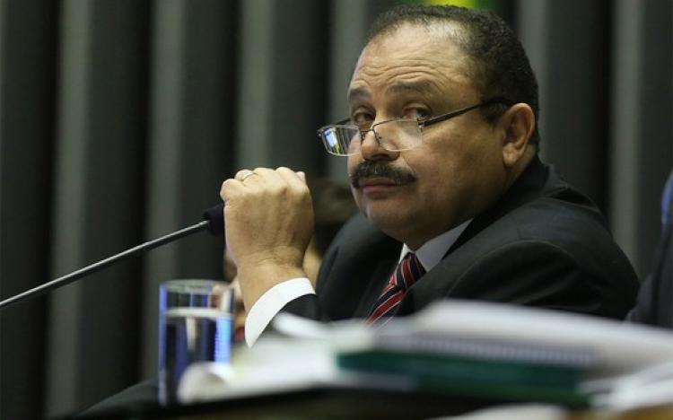 Novo presidente da Câmara é aliado de Cunha e investigado pela Lava Jato