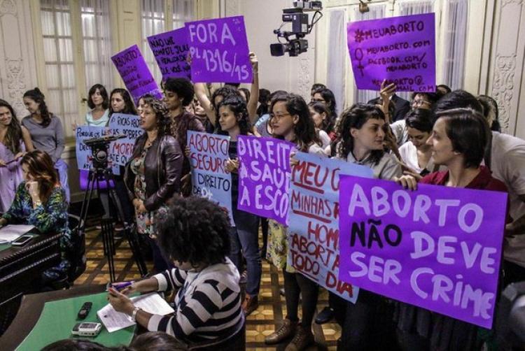 Comissão da Alerj retira da pauta projeto de lei sobre aborto