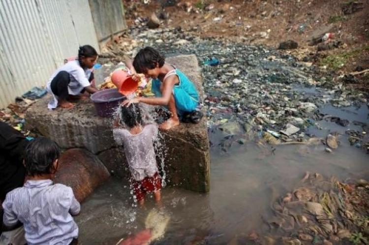 Como a falta de saneamento básico no Brasil reflete e acentua a desigualdade social