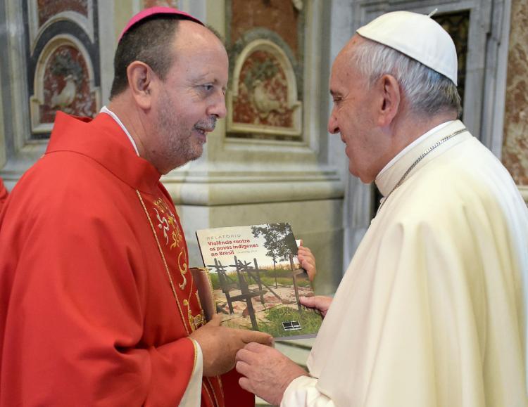 Presidente do Cimi denuncia violações contra povos indígenas ao Papa