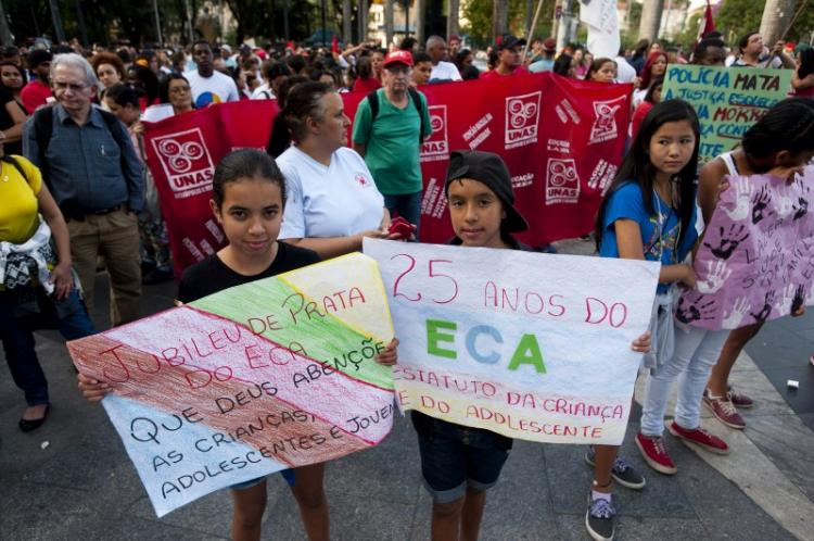 ONG de direitos humanos alerta: 29 crianças e adolescentes são mortos no Brasil por dia