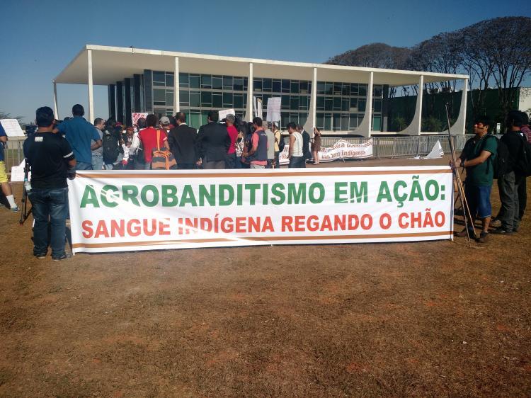 Ruralistas entreguistas: a desnacionalização do território brasileiro