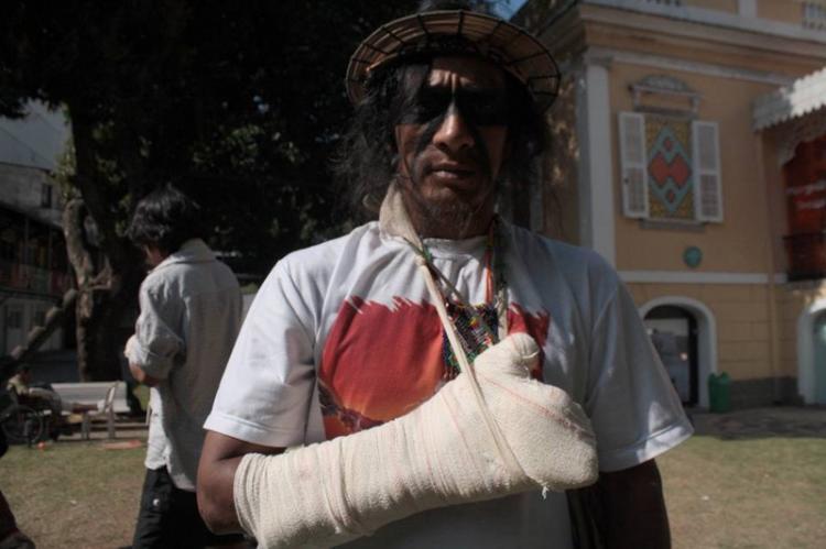 Faltando poucos dias para a Olimpíada, Rio dá um mau exemplo agredindo indígenas