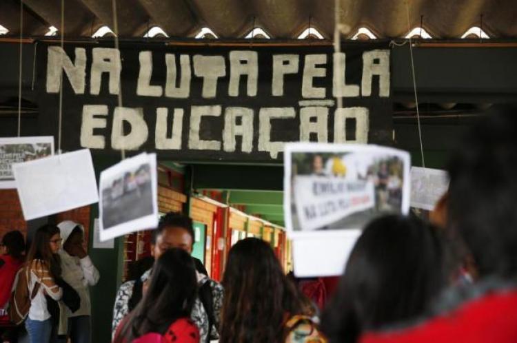 Ocupações das escolas no RS: da criminalização à constituição de novos movimentos