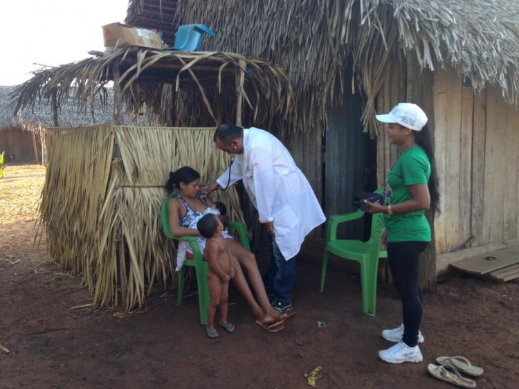 Profissional cubano do Mais Médicos atende 20 aldeias indígenas no Pará