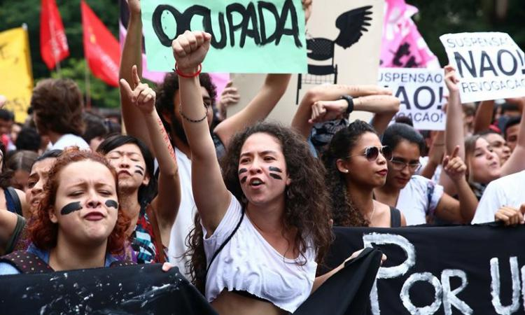 Juventude reivindica mais voz no sistema político