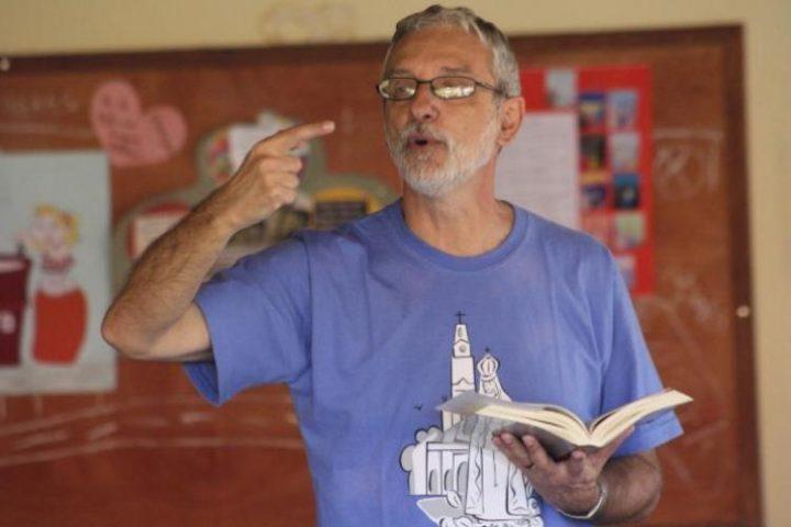 """""""A Bíblia é o grande instrumento de libertação dos leigos"""". Entrevista com Francisco Orofino"""