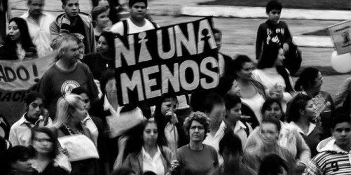 Mulheres argentinas realizam primeira greve nacional contra a violência de gênero