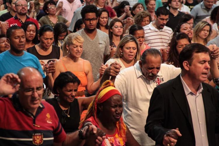 Cresce o número de pessoas que declaram não ter filiação a uma igreja