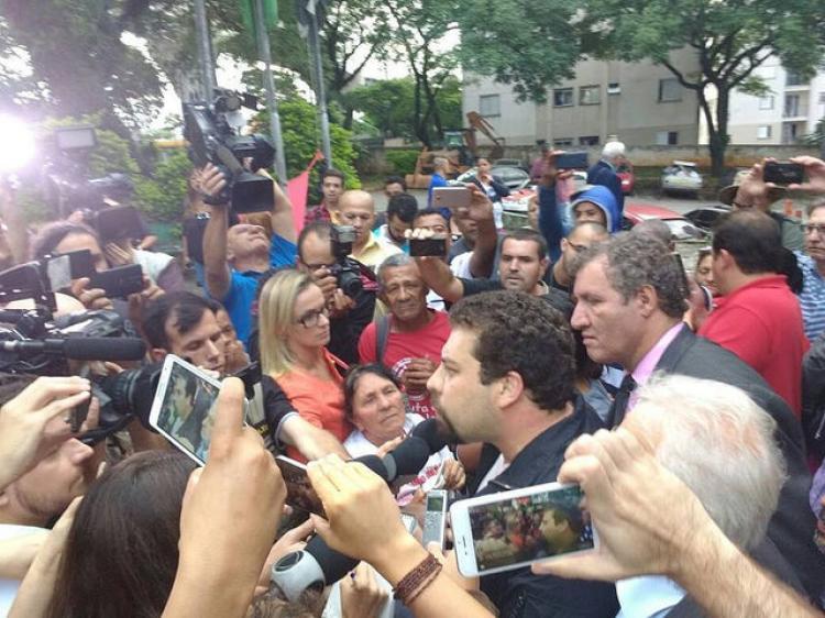 Guilherme Boulos, do MTST, é liberado após prestar depoimento