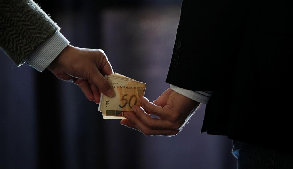O poder dos corruptores [Roberto Malvezzi (Gogó)]