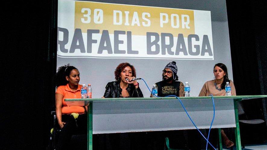 Organizadores da campanha em evento. Foto: Reprodução da página do Facebook