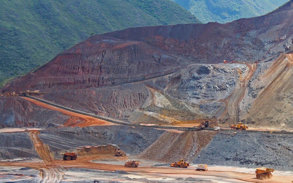 Mineração: contaminação e violações de direitos financiados com dinheiro público