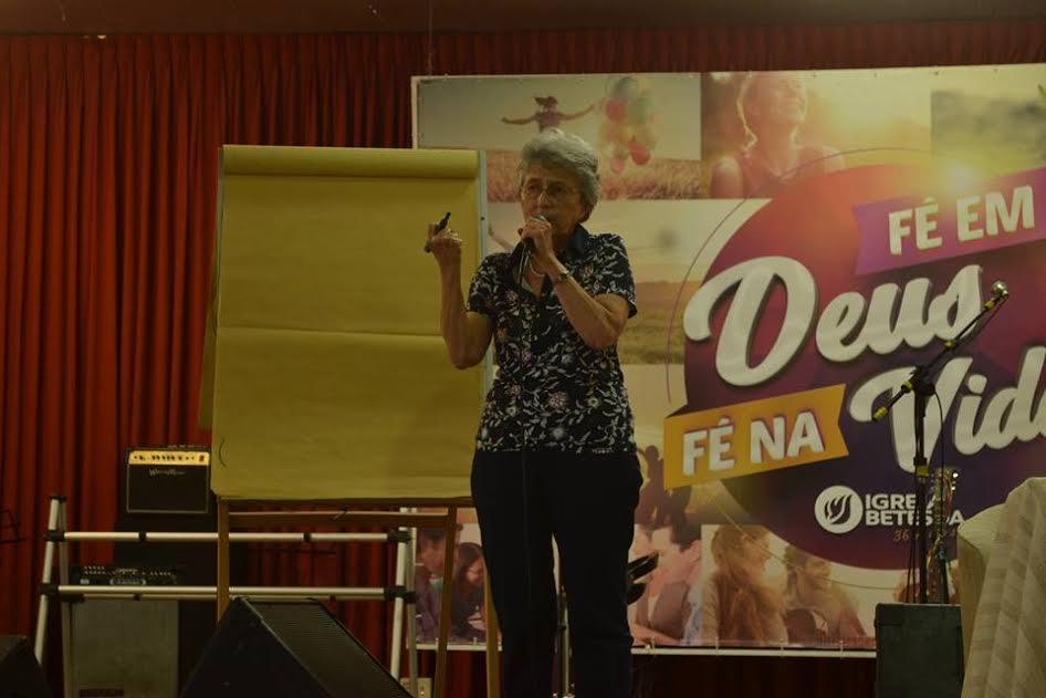 Fotos da atividade com Ivone Gebara no CEBI-CE.