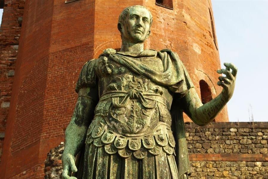 O que é de César a César… O que é mesmo de César? [Edmilson Schinelo]