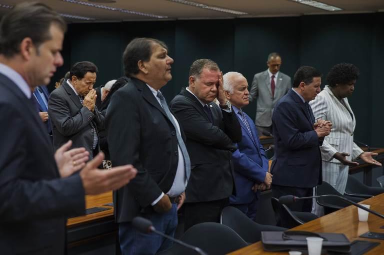 Fé evangélica abraça as urnas na América Latina