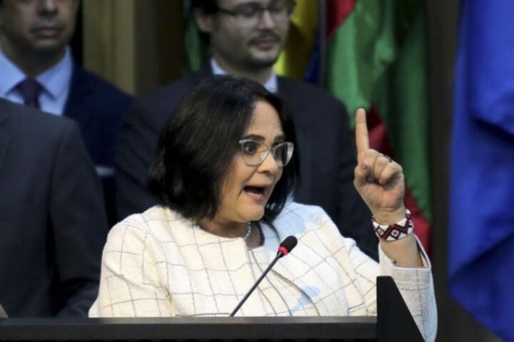 Nota de repúdio contra o projeto de educação binária da Ministra Damares Alves