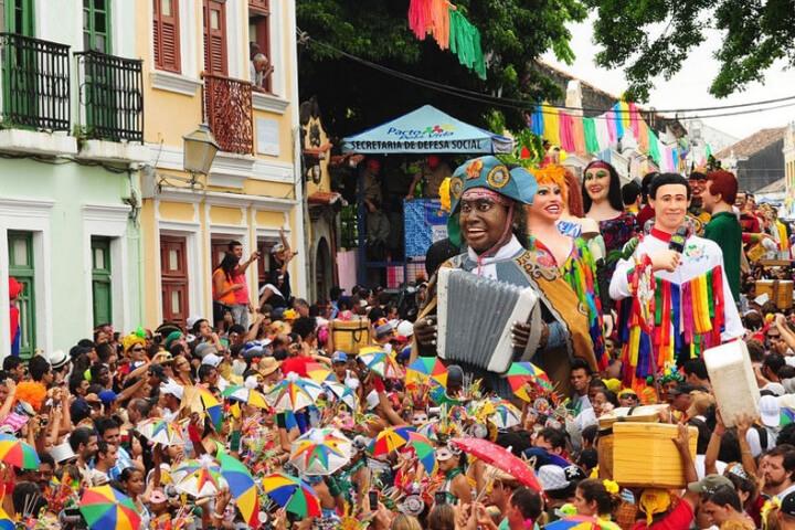 Carnaval: celebrar a alegria de viver