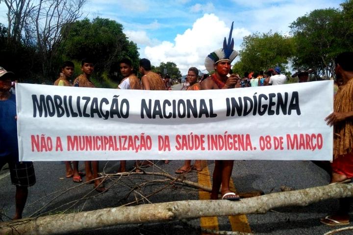 """Abandono da saúde indígena pelo governo pode causar mortes """"a cada quatro horas"""""""