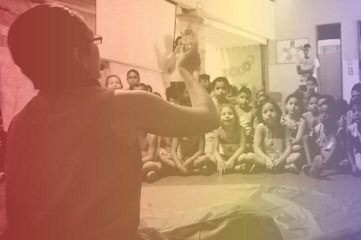 """Campanha """"anti-doutrinação"""" contra professores eleva estresse em sala de aula"""
