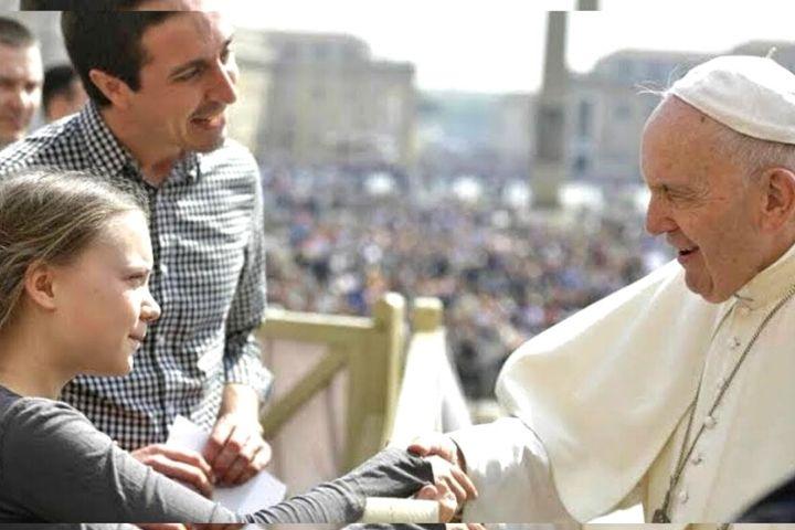 """A bênção do Papa para Greta """"Vá em frente com a tua batalha"""""""