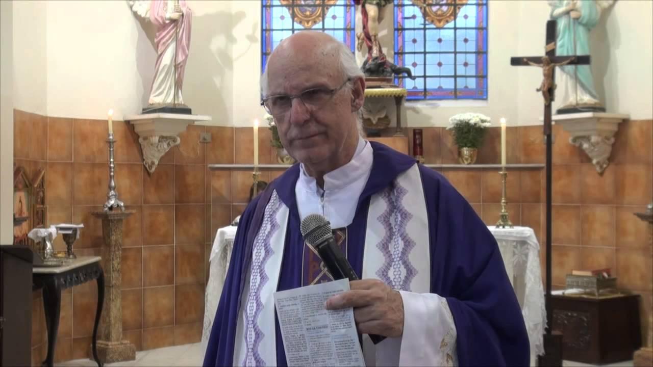 Papa Francisco telefona ao Padre Julio Lancellotti e o anima a continuar junto dos mais pobres
