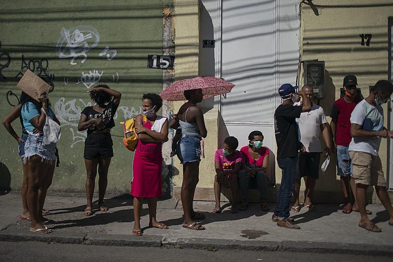Enquanto fome avança, número de bilionários cresce no Brasil, e seu patrimônio dobra