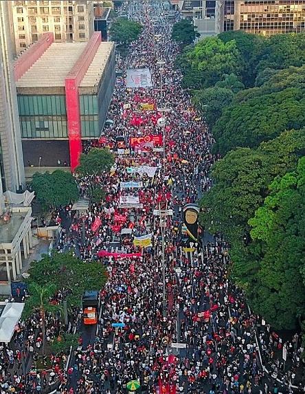 Oposição aposta em protestos do dia 2 de outubro para barrar reformas de Bolsonaro